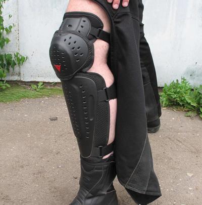 защита голени и колена мотоштанов